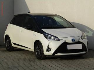 Toyota Yaris 1.5 i Selection hatchback hybridní - benzin
