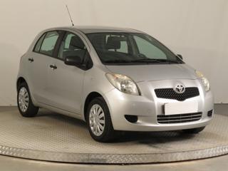 Toyota Yaris 1.3 64kW hatchback benzin