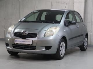 Toyota Yaris 1,3 VVT-i,CZ,1Maj,AT,AC hatchback benzin