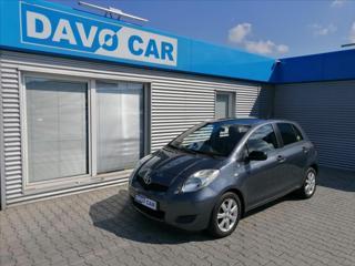 Toyota Yaris 1,3 VVT-i 74 kW CZ Serv.Kniha hatchback benzin