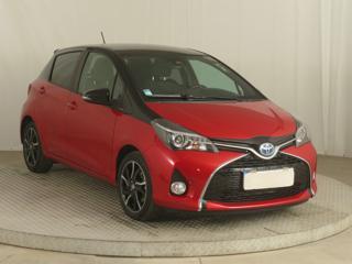 Toyota Yaris 1.5 Hybrid 74kW hatchback hybridní - benzin