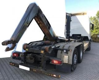 Volvo pro přepravu kontejnerů
