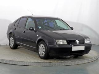 Volkswagen Bora 2.0 85kW sedan benzin