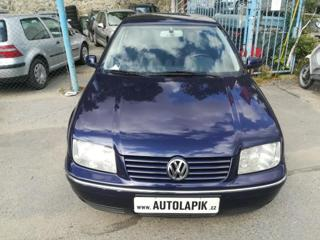 Volkswagen Bora 1,6i 75kW krasavec sedan benzin