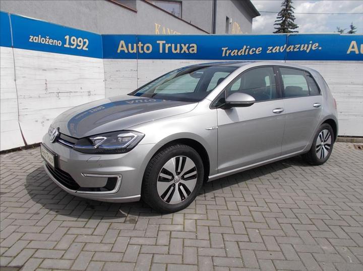 Volkswagen e-Golf 100kW TOP STAV ČR 1.majitel hatchback elektro