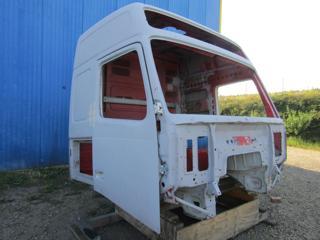 Volvo FH12, kabina