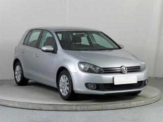 Volkswagen Golf 1.2 TSI 63kW hatchback benzin