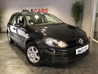 Volkswagen Golf 1,6   i 1.MAJITEL SERVIS TAŽNÉ hatchback benzin