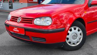 Volkswagen Golf 1,4i 16v 55Kw Klima hatchback