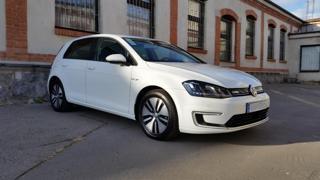 Volkswagen Golf E-GOLF ČR VÝHŘEV SEDAČEK !! hatchback