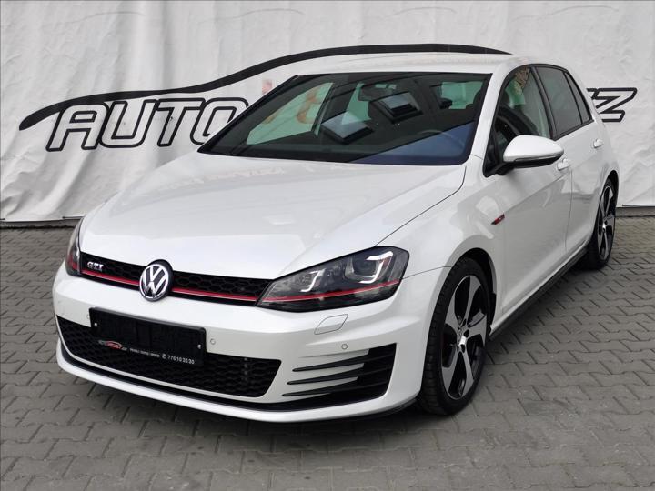 Volkswagen Golf 2,0 GTi DSG *XENON*NAVI*SENZORY* hatchback benzin
