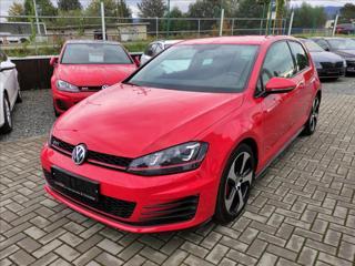 Volkswagen Golf 2,0 GTi PERFORMANCE *XENON*VYHŘ.SEDAČKY* hatchback benzin