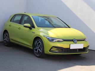 Volkswagen Golf 1.5 TSi, 1.maj, Serv.kniha hatchback benzin