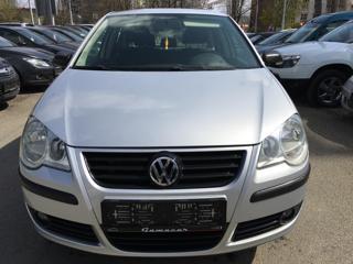 Volkswagen Polo 1,2i 44kW klima Top Stav hatchback