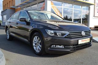 Volkswagen Passat 1.6 TDi, DSG, S.kniha, Navi sedan