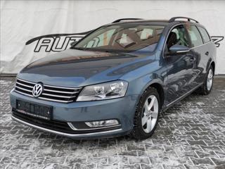 Volkswagen Passat 2,0 TDi*NAVI*VYHŘ.SEDAČKY*SENZORY* kombi nafta