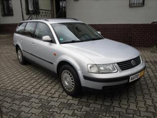 Volkswagen Passat 1,8 i  AUTOMAT,TAŽNÉ kombi benzin