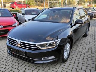 Volkswagen Passat 2,0 TDi DSG *LED*NAVI*VYHŘ.SEDAČKY*TAŽNÉ* kombi nafta