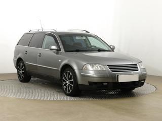 Volkswagen Passat 2.3 VR5  125kW kombi benzin