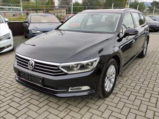 Volkswagen Passat 2,0 TDi DSG *LED*NAVI*SENZORY* kombi nafta