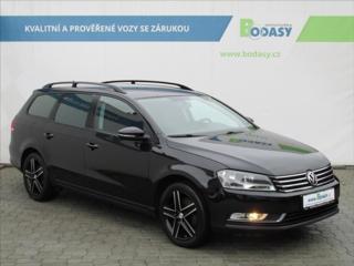 Volkswagen Passat 1,4 TSI NAVI TEMPO VÝHŘ. SED. kombi benzin