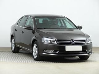 Volkswagen Passat 2.0 TDI 130kW sedan nafta
