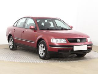 Volkswagen Passat 1.6 74kW sedan benzin