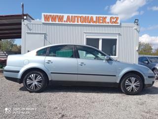 Volkswagen Passat 2.0 i Comfort sedan benzin