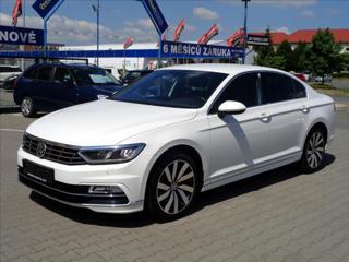 Volkswagen Passat 2,0 TDi DSG R-LINE *SERVISKA* sedan nafta