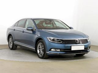 Volkswagen Passat 1.8 TSI 132kW sedan benzin