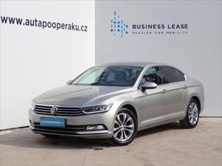 Volkswagen Passat 2,0 TDI Highline LED+NAV+KESSY sedan nafta