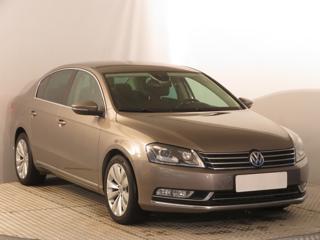 Volkswagen Passat 2.0 TDI 125kW sedan nafta