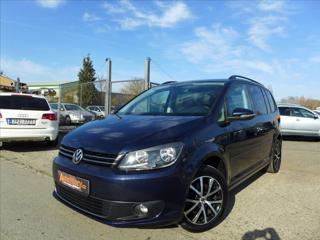 Volkswagen Touran 1,6 TDi  SERVISKA,7 MÍST,MANUÁL kombi nafta