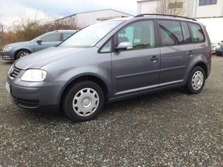 Volkswagen Touran 1.9 TDI 7-míst 6-kvalt kombi