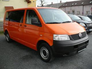 Volkswagen Transporter 2.5 TDi long kombi nafta