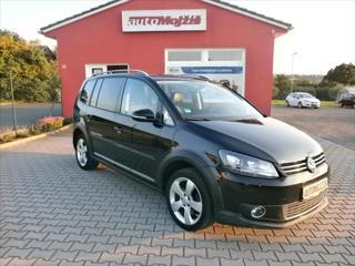 Volkswagen Touran 2,0 TDI CROSS XENONY NAVI NOVÁ STK MPV nafta