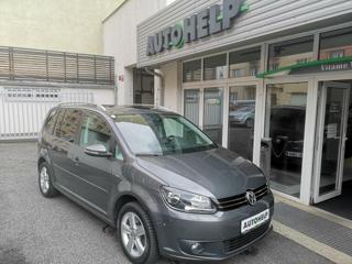 Volkswagen Touran 2.0 TDI 140 HP LIFE MPV
