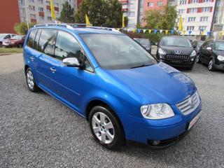 Volkswagen Touran 2.0 TDi 100kW Highline, Serviska, 2 MPV
