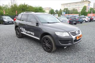 Volkswagen Touareg 5,0 TDi 230KW V10, 4 MOTION. SUV nafta