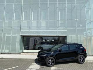 Volvo XC40 B4 FWD R-Design SUV benzin
