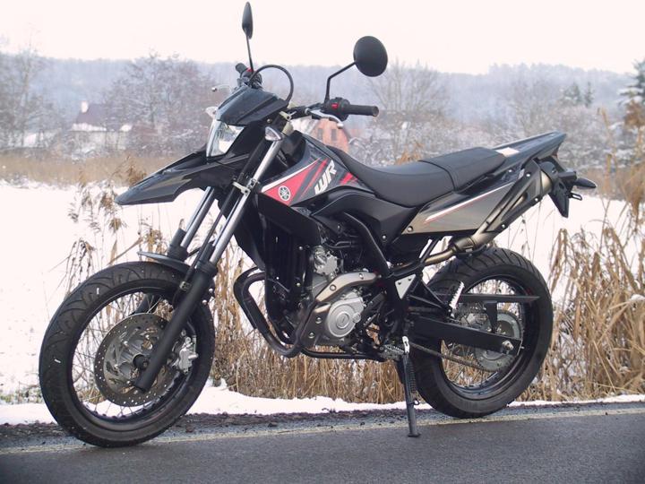 Yamaha enduro silniční
